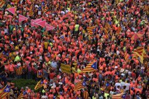 Onada multitudinària per la República