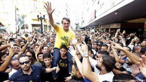 El movimiento #EleNão de mujeres brasileñas golpea a Jair Bolsonaro