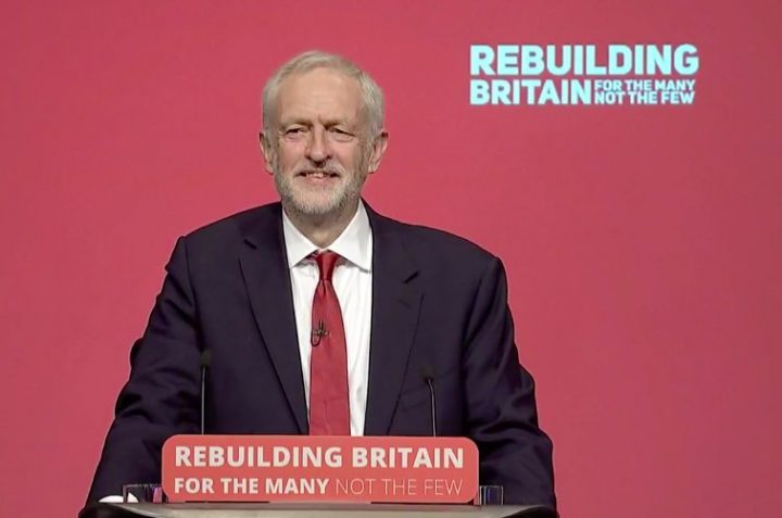 Jeremy Corbyn al congresso laburista: il nostro compito è ricostruire la Gran Bretagna