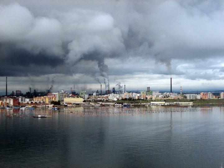 Ilva,  ottenuta la salvaguardia integrale dell'occupazione, ma l'Italia perde un pezzo del suo patrimonio industriale