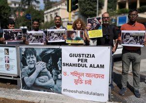 Italiani e bengalesi a Roma Chiedono la liberazione del fotoreporter Shahidul Alam