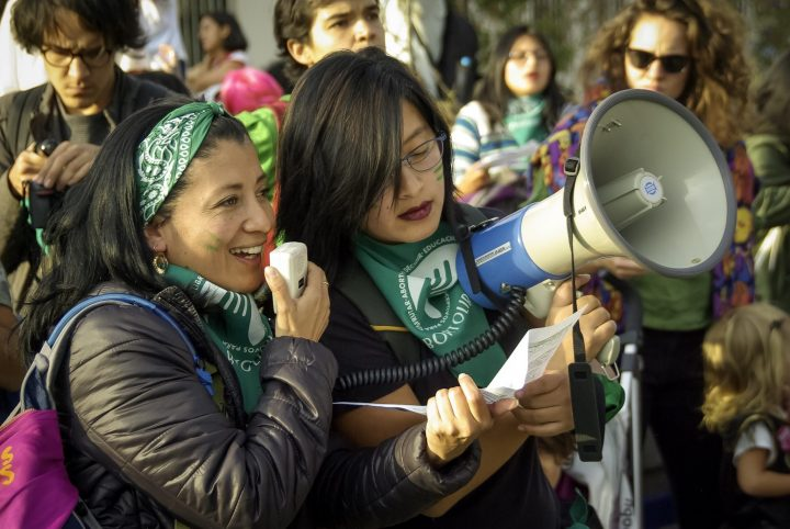 Una marea verde por el aborto libre crece en Ecuador