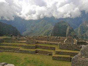Descubren red de andenes bajo la Plaza Sagrada de Machu Picchu