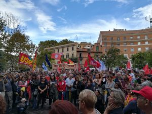 Roma, i lavoratori della cultura in piazza: «non facciamo volontariato, il lavoro va pagato»