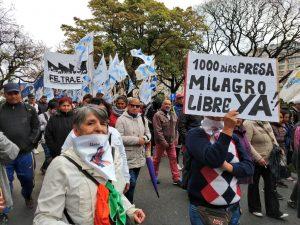 #1000diaspresapolitica: desfile por las calles de Buenos Aires – Argentina por Milagro Sala libera