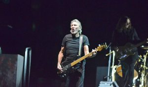 "Roger Waters a Curitiba: ""Ele Não"""