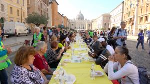 """Roma, la """"Tavolata romana senza muri"""" per l'accoglienza e l'inclusione sociale"""