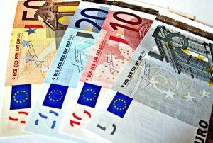Bilanci di Giustizia: Incontro critico sull'euro a Prato