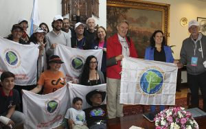 Valparaíso, Chile: authorities receive the South American March for Peace and Nonviolence