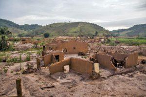 Crime que se renova: três anos de lama no Rio Doce