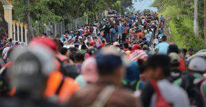 Casi un millón de migrantes detenidos en la frontera de EE.UU.