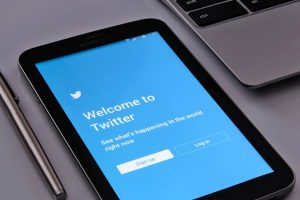 Twitter apaga 10 mil perfis falsos nos EUA