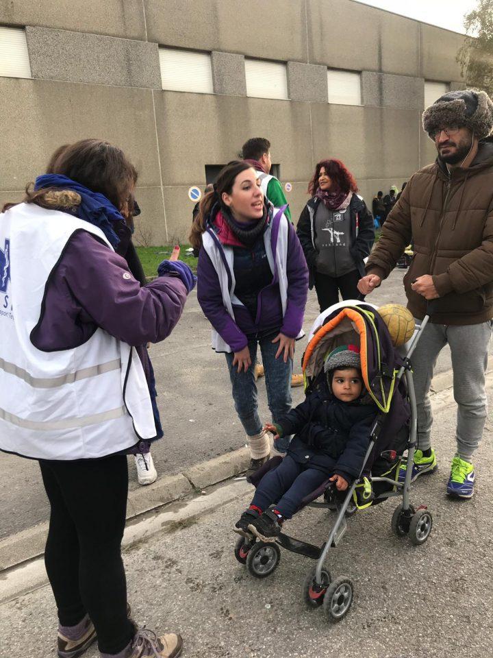 Calais_refugiados_ayuda_Care for Calais (3)