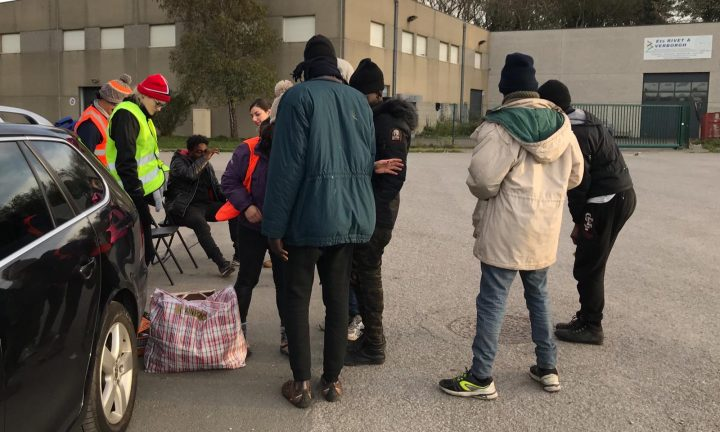 Calais_refugiados_ayuda_Care for Calais (6)