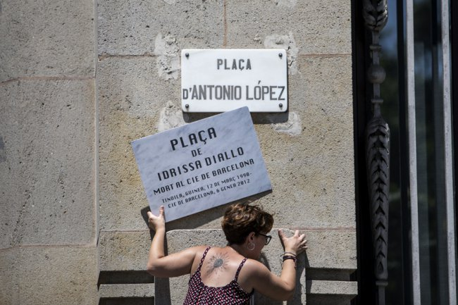 Comunicat pel canvi de nom de la plaça Antonio López pel d'Idrissa Diallo