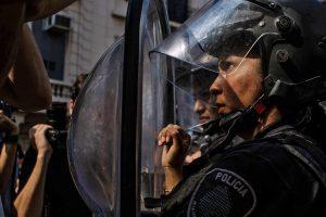En línea con el derrumbe: Hacia la legalización de la represión en Argentina