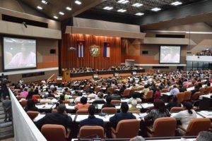 Cuba aprova nova Constituição, mantendo socialismo e abrindo mercado