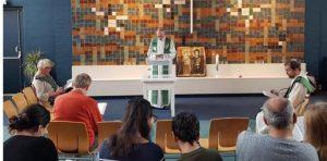 Para impedir deportação de imigrantes, igreja holandesa realiza culto durante 800 horas