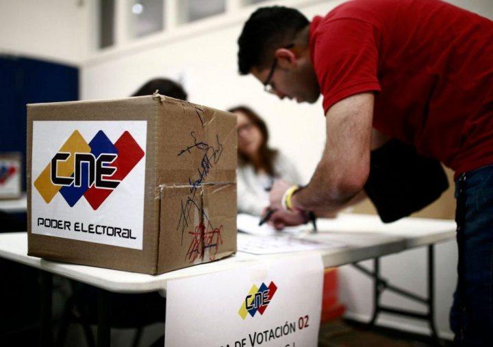 Venezuela, CEELA: il sistema di voto elettronico con riconteggio manuale è la miglior garanzia di trasparenza