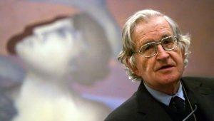 Noam Chomsky e altri 70 accademici condannano il colpo di stato degli Stati Uniti contro il Venezuela