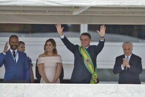 Bolsonaro: en su toma de posesión, anuncia combate a «nefastas ideologías»