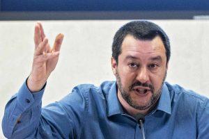 Il tribunale dei Ministri chiede l'autorizzazione a procedere per Salvini