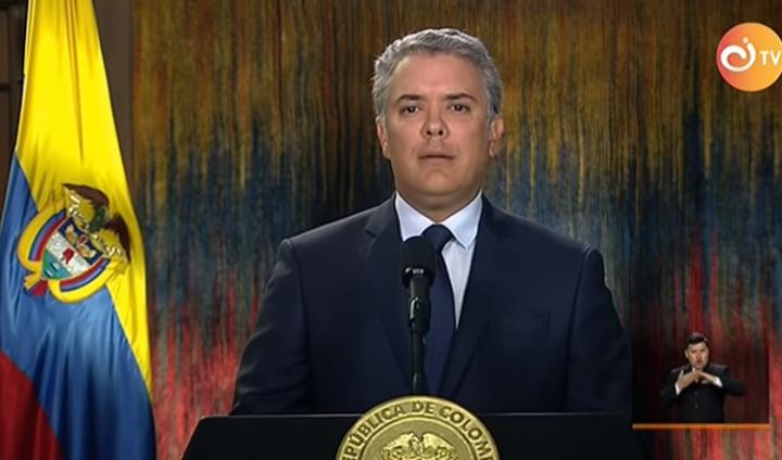 Colombia: Duque acusa al ELN del coche bomba y finaliza diálogos de paz
