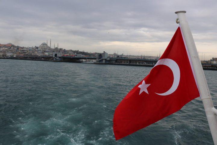 Crónicas de viaje   Despotismo y revolución conservadora en Turquía
