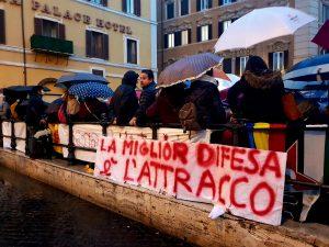 """Sea Watch, in piazza Montecitorio la manifestazione 'Non siamo pesci': """"Porti aperti"""""""