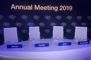 Appunti su Bolsonaro a Davos: la scala, la pista cifrata e una autostrada