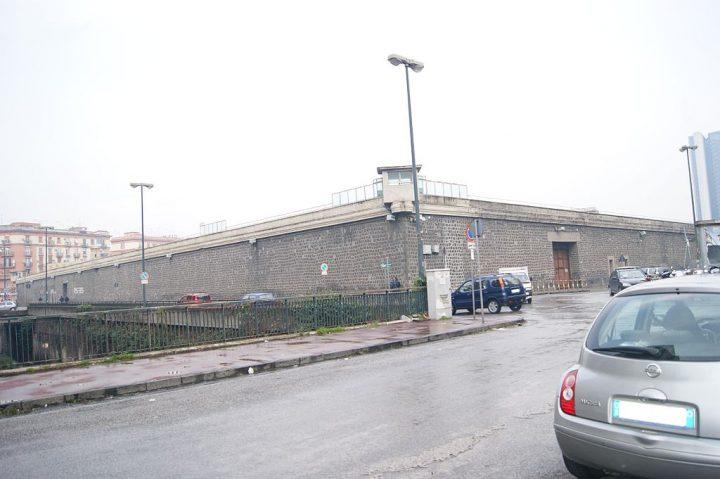 Eleonora Forenza denuncia le condizioni del carcere di Poggioreale