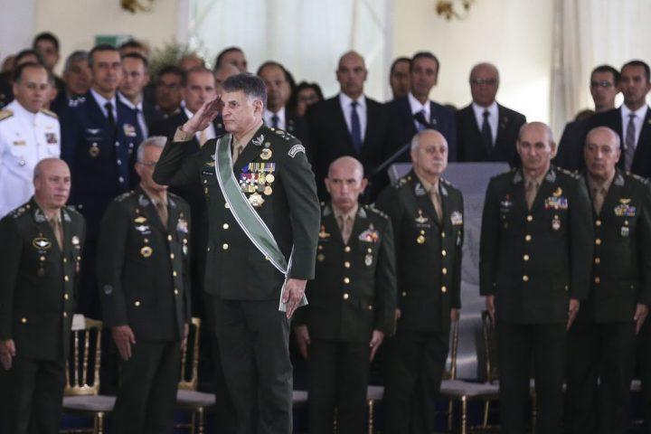 La inteliguentsia Militar y la inteligencia de los Bolsonaros