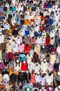 Muslimische Gläubige versammeln sich und beten für den Weltfrieden während der 54. Bishwa Ijtema