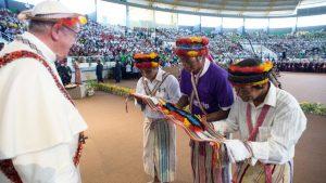 A meno di due mesi della presidenza Bolsonaro le associazioni indigene presentano un rapporto spaventoso