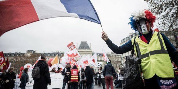 Sciopero generale in Francia, l'alleanza CGT-gilet gialli apre una nuova fase di lotta
