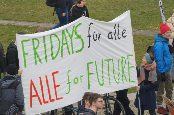 Fridays_for_Future_Klimastreik_Berlin_08324