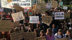 """I giovani si mobilitano in Spagna contro il cambiamento climatico: """"Senza pianeta, non abbiamo futuro"""""""