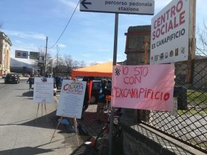 Migranti, sequestro sede Sprar a Caserta: gli attivisti querelano Salvini
