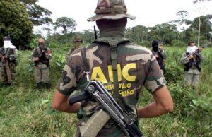Paramilitari di nuovo in azione in Colombia