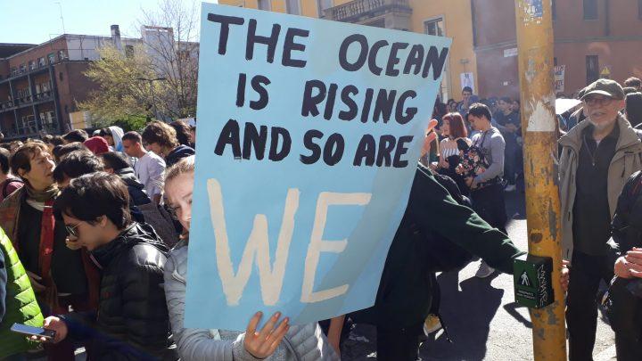 Milán, huelga mundial para el futuro: el océano sube y nosotros también