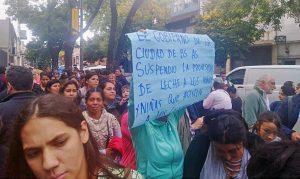 El gobierno de la ciudad de Buenos Aires suspendió la entrega de leche para los niños