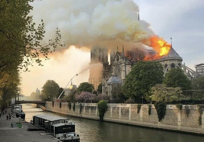 Incendios simultáneos en la catedral de Notre Dame y en la mezquita de Al-Aqsa
