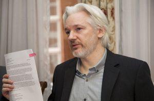 Διεθνής Αμνηστία: «Να αποσύρουν οι ΗΠΑ τις κατηγορίες εναντίον του Τζούλιαν Ασάνζ»