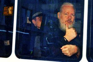 Entrega de Assange, vergüenza nacional y error histórico
