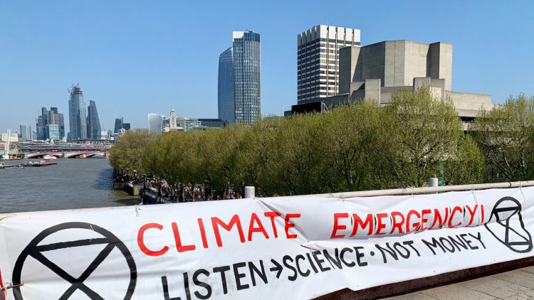 Urgence climatique : Protestation d'Extinction Rebellion à Londres