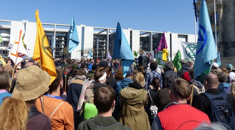 """Extinction Rebellion Germany: """"Die Hoffnung stirbt – das Tun beginnt"""""""
