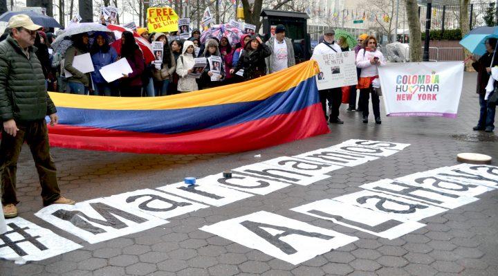 La Colombia si mobilita per denunciare l'assassinio dei suoi leader sociali