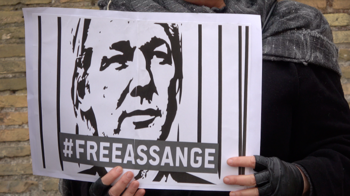 Roma e Milano: flashmob e presidio #freeAssange
