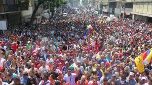 Un golpe que nació muerto, sin apoyo militar y mucho menos popular