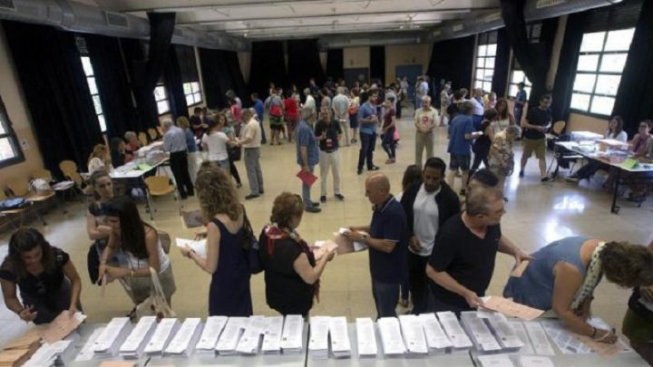 Reportan alta participación en las elecciones generales de España